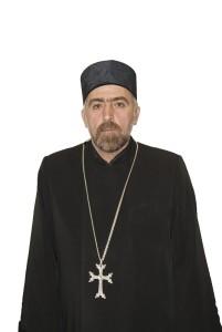 Священник тер Момик Гдлян