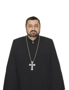 Священник тер Езник Казарян